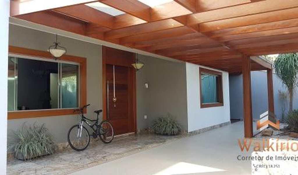 Casa em Governador Valadares, bairro Esplanadinha
