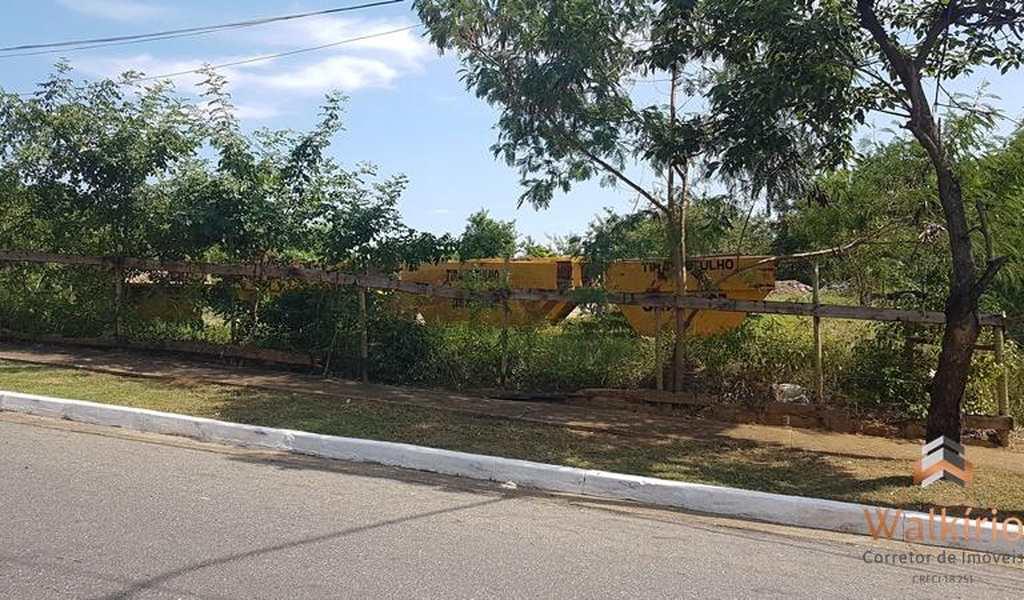 Terreno em Governador Valadares, bairro Alto Esplanada