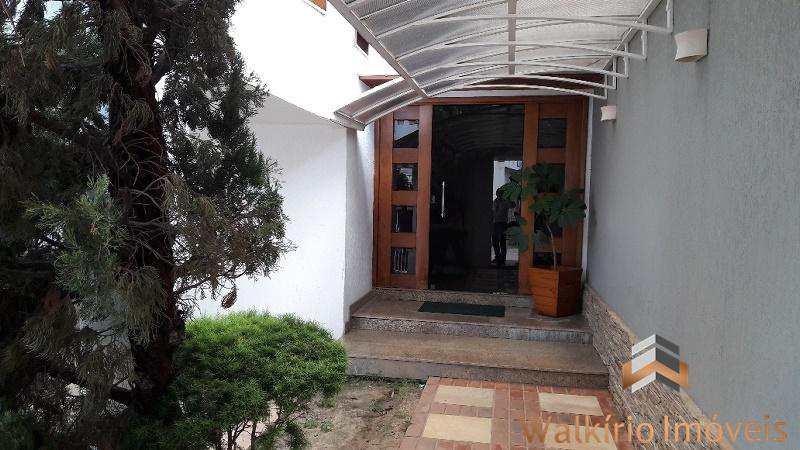 Casa em Governador Valadares, no bairro Santos Dumont I