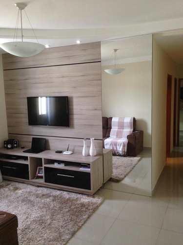 Apartamento, código 210 em Governador Valadares, bairro Lagoa Santa