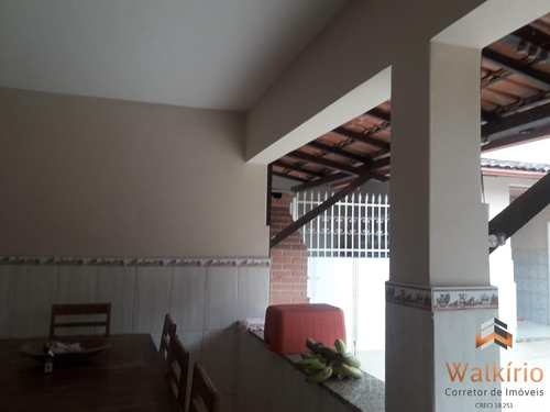 Casa, código 224 em Governador Valadares, bairro Ilha dos Araújos