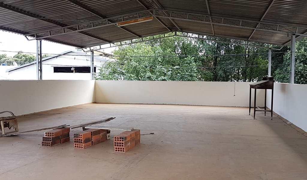 Casa em Governador Valadares, bairro Ilha dos Araújos