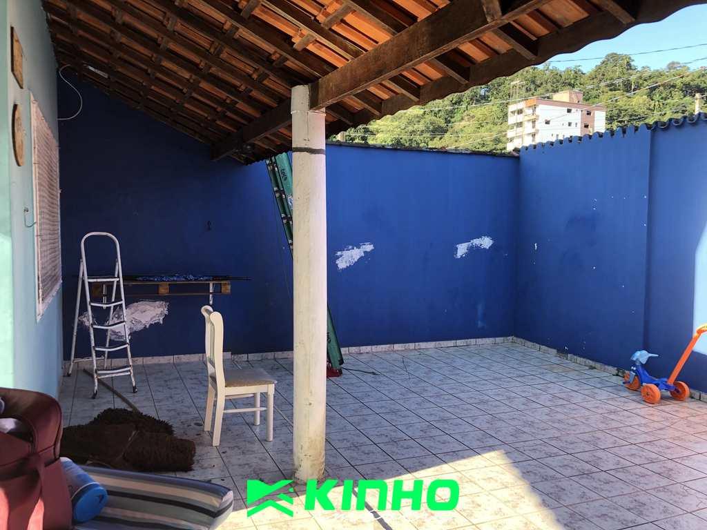 Sobrado em Praia Grande, no bairro Canto do Forte