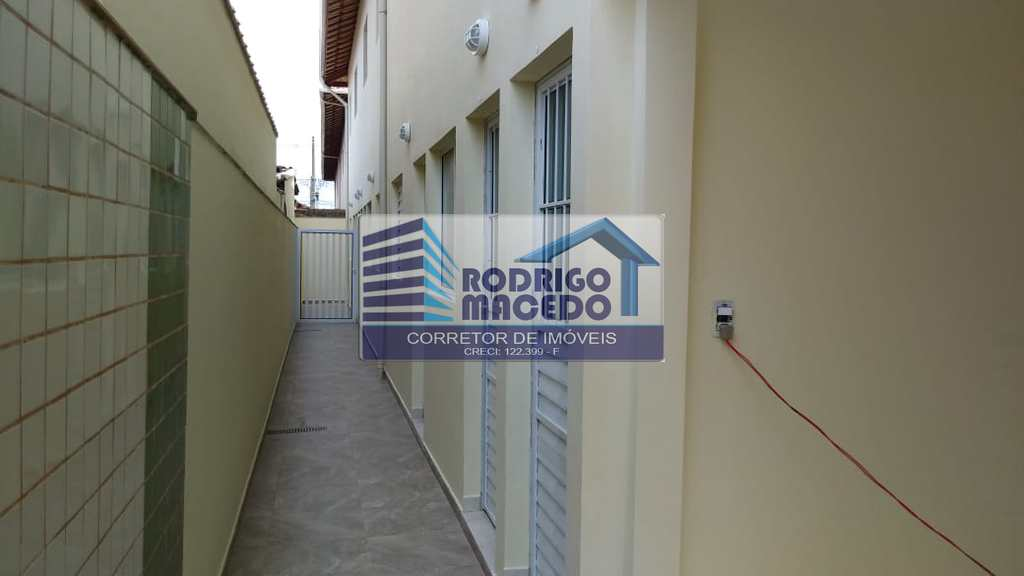 Casa de Condomínio em Praia Grande, no bairro Samambaia