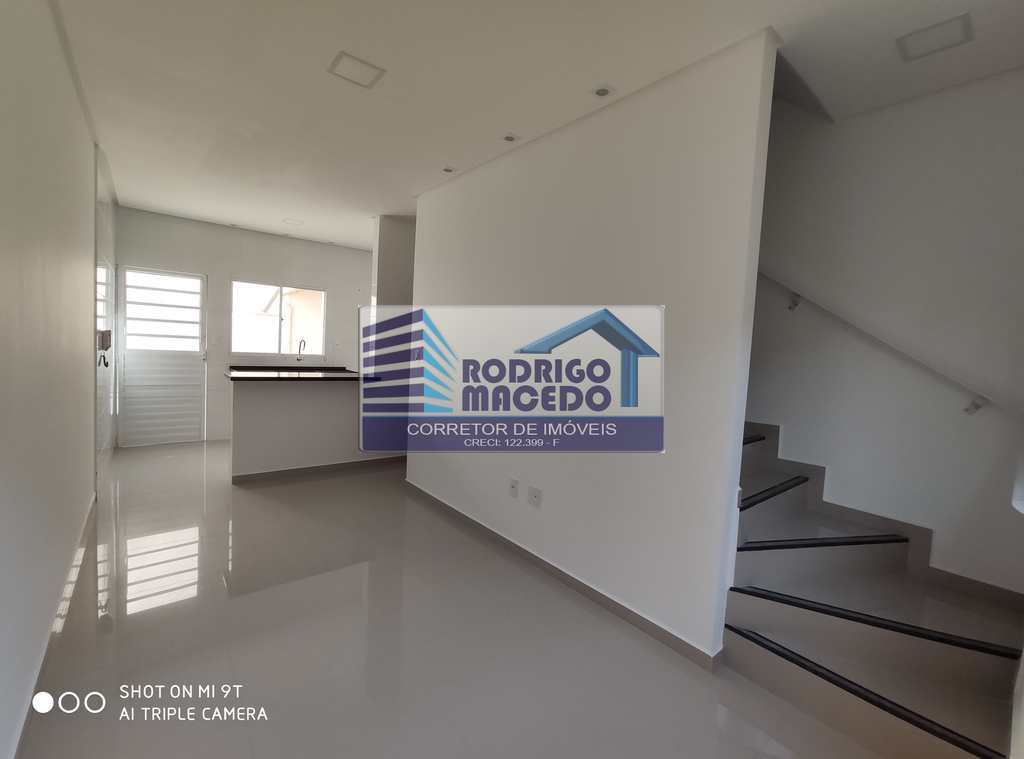 Casa de Condomínio em Praia Grande, no bairro Caiçara