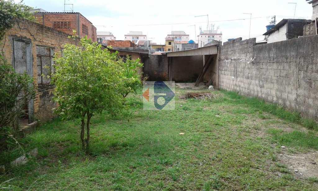 Terreno em Suzano, no bairro Jardim Santa Lúcia