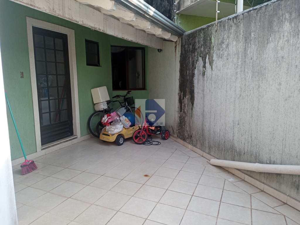 Sobrado em Suzano, no bairro Parque do Colégio