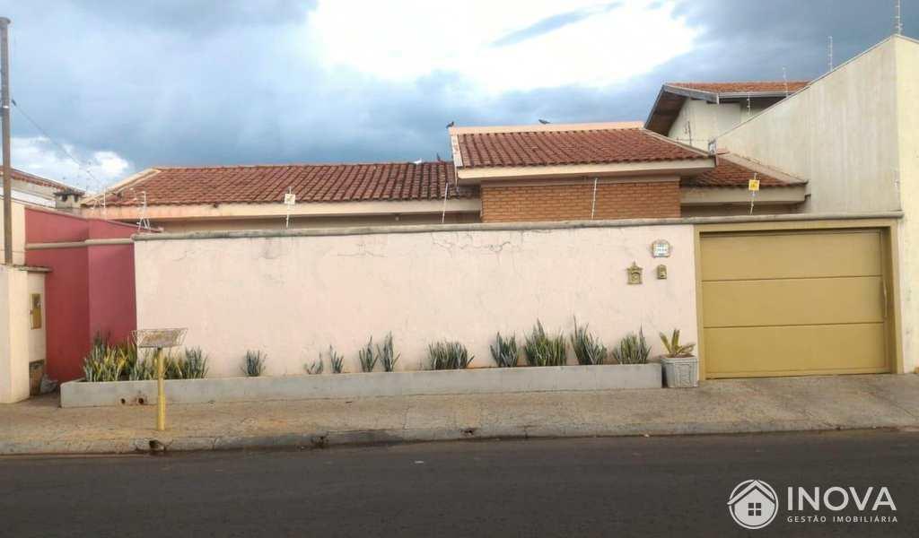 Casa em Barretos, bairro São José