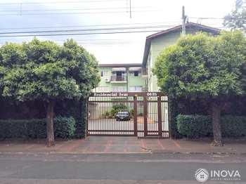 Apartamento, código 580 em Barretos, bairro Celina