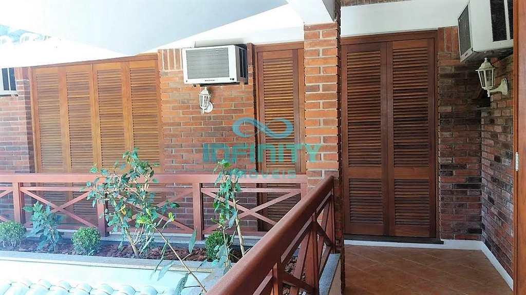 Casa de Condomínio em Porto Alegre, no bairro Ipanema