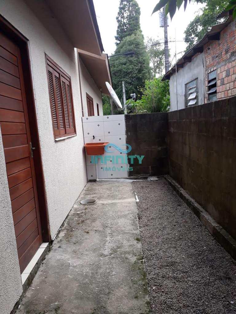 Casa em Gravataí, no bairro Parque Itacolomi