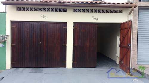 Casa, código 11 em Itanhaém, bairro Jardim Italmar