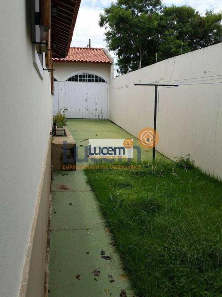 Casa em Amparo, no bairro Jardim Vila Rica