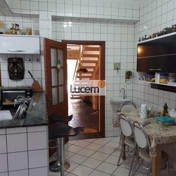 Casa em Amparo, bairro Centro