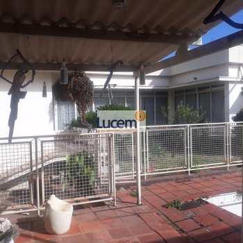 Casa em Pedreira, bairro Centro