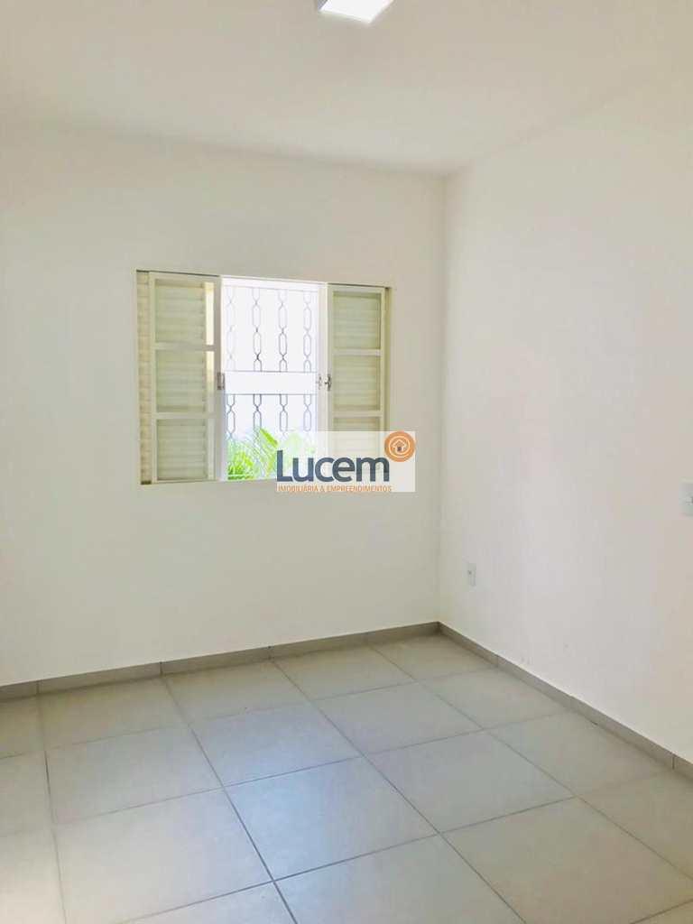 Casa em Amparo, no bairro Jardim Camandocaia