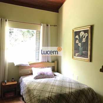 Casa em Amparo, bairro Jd Sao Roberto