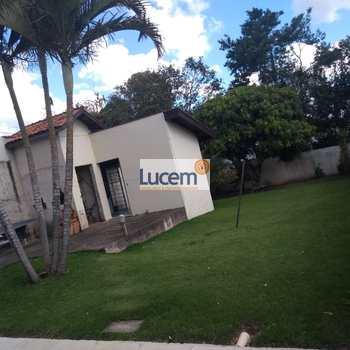 Casa em Serra Negra, bairro Almeidas