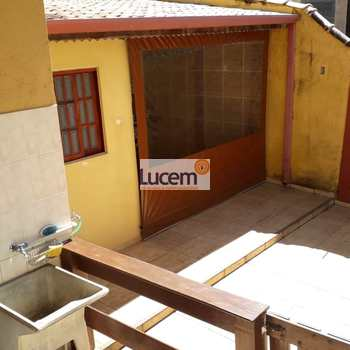 Casa em Amparo, bairro Jardim Alberto