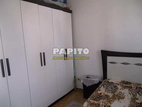 Apartamento, código 54545259 em Praia Grande, bairro Aviação