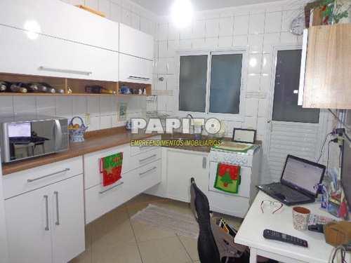 Apartamento, código 50993197 em Praia Grande, bairro Aviação