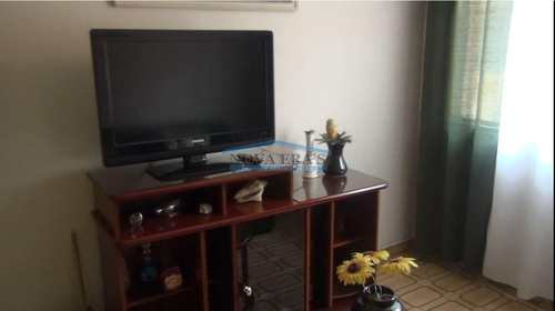 Apartamento, código 51 em São Vicente, bairro Centro