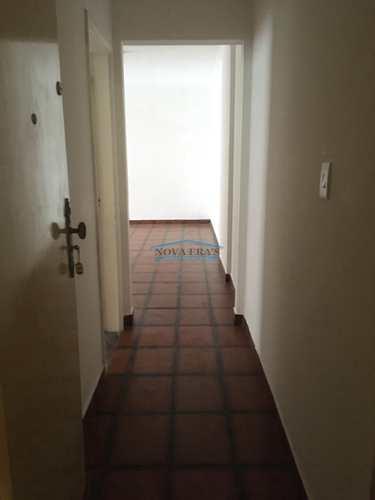 Apartamento, código 176 em São Vicente, bairro Itararé