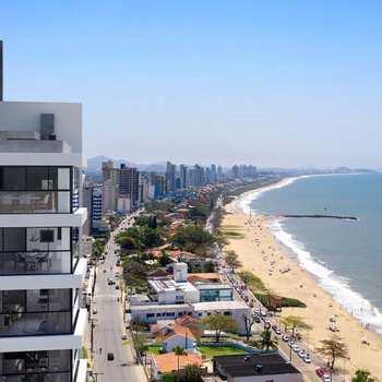 Apartamento em Balneário Piçarras, bairro Centro