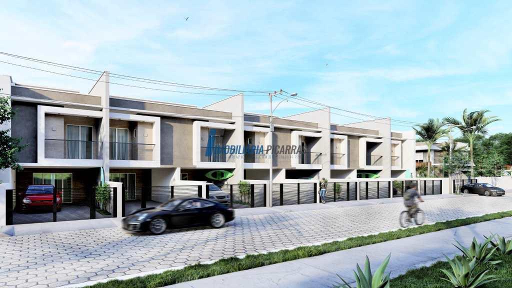 condomínio em Balneário Piçarras, bairro Centro