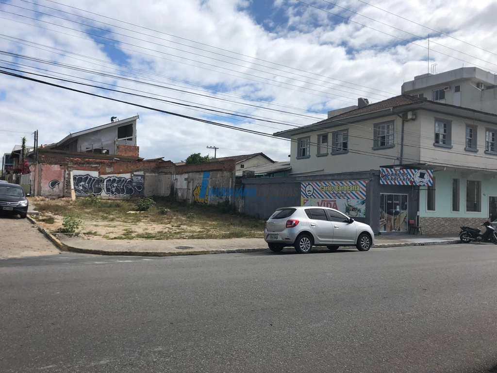 Terreno Comercial em Balneário Piçarras, no bairro Centro