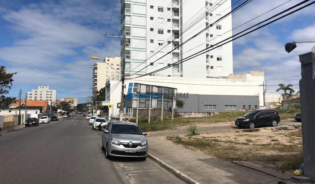 Terreno Comercial em Balneário Piçarras, bairro Centro