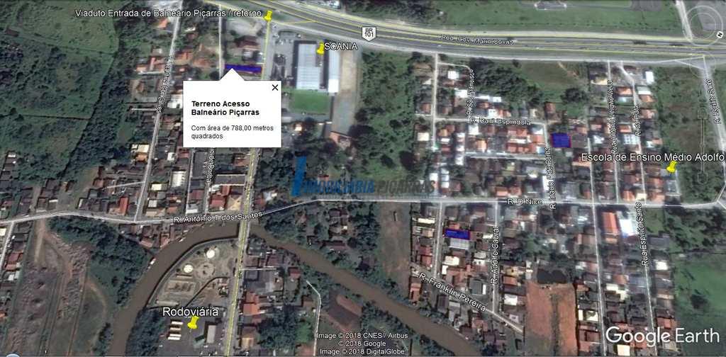 Terreno Comercial em Balneário Piçarras, no bairro Santo Antônio