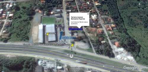 Terreno Comercial, código 10 em Balneário Piçarras, bairro Santo Antônio