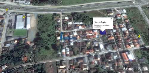 Casa, código 16 em Balneário Piçarras, bairro Santo Antônio