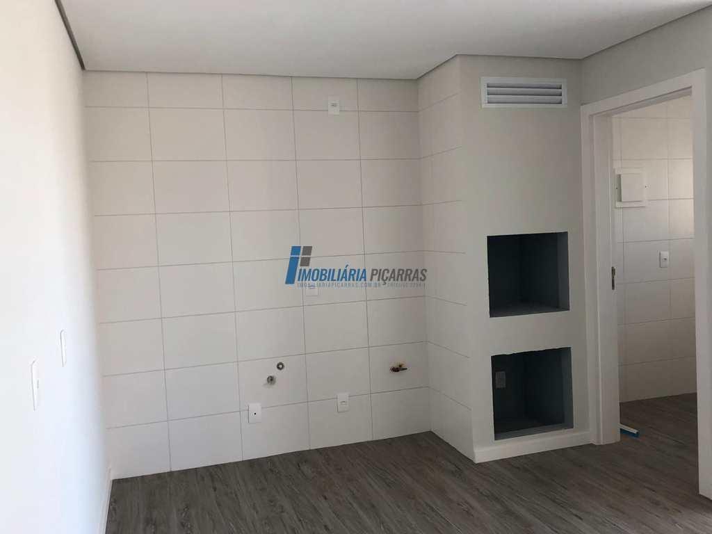Apartamento em Balneário Piçarras, no bairro Itacolomi