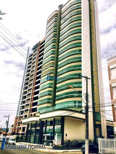 Apartamento, código 41 em Balneário Piçarras, bairro Centro