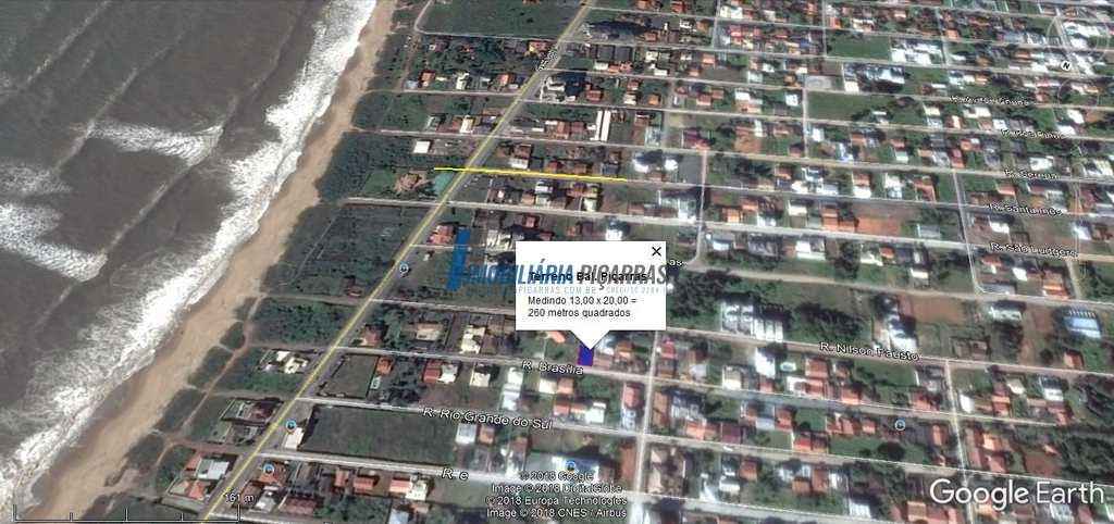 Terreno em Balneário Piçarras, no bairro Itacolomi