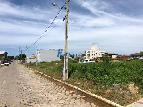 Terreno, código 84 em Balneário Piçarras, bairro Centro