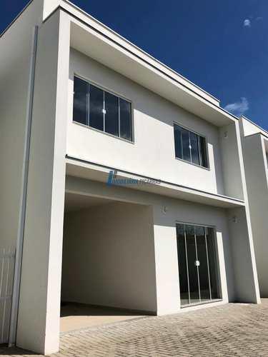 Sobrado de Condomínio, código 90 em Balneário Piçarras, bairro Centro