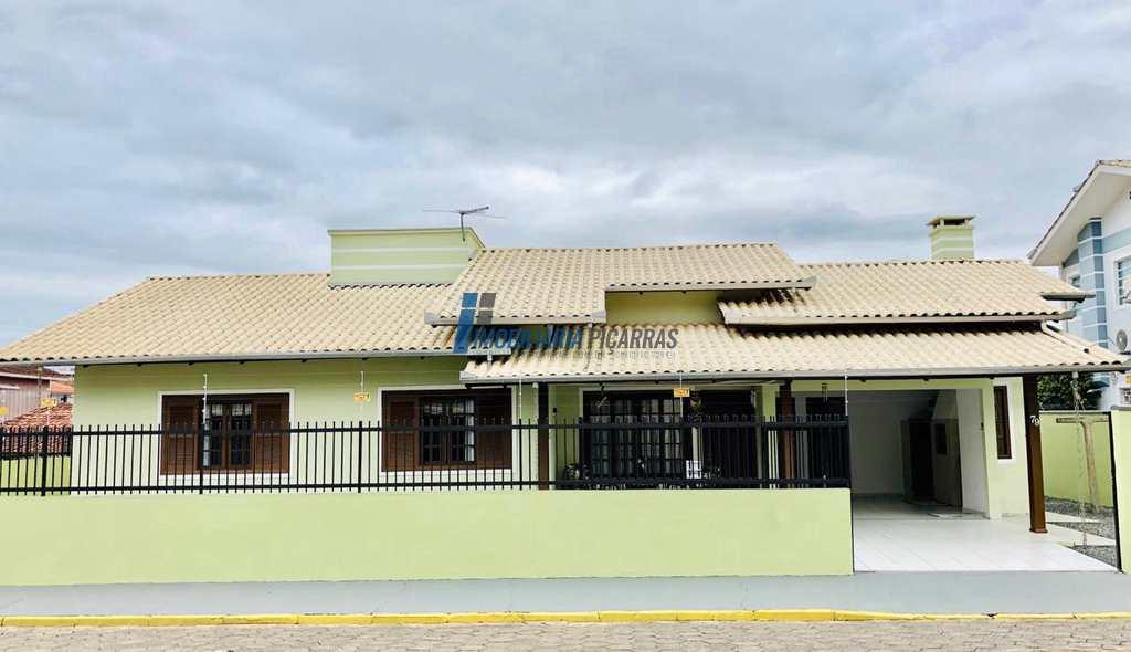Casa em Balneário Piçarras, no bairro Centro