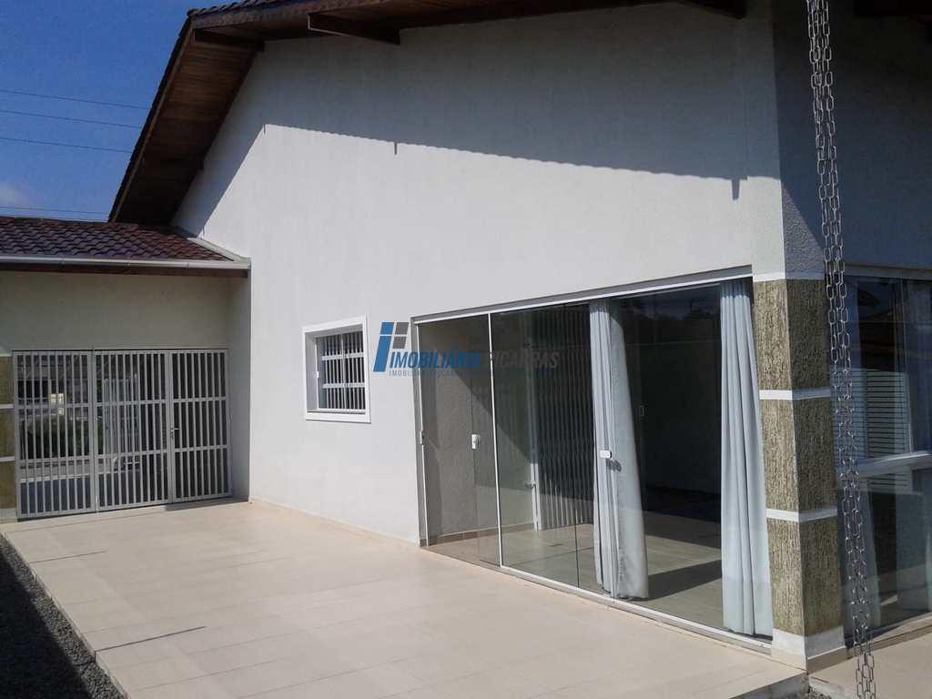 Casa em Balneário Piçarras, no bairro Itacolomi
