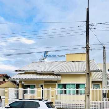 Casa em Balneário Piçarras, bairro Centro
