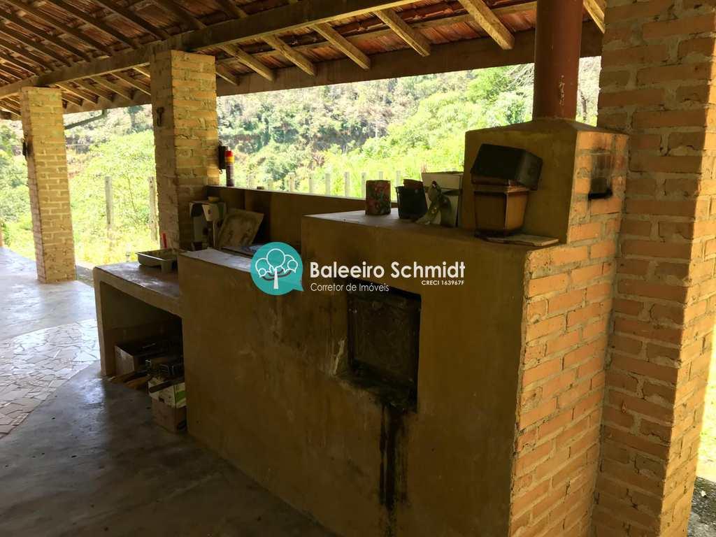 Condomínio em Santo Antônio do Pinhal, no bairro Aproxi 10 Km do Centro