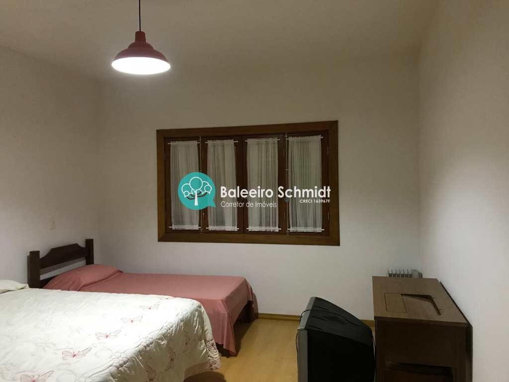 Casa de Condomínio em Santo Antônio do Pinhal, bairro Aprox 7 Km do Centro