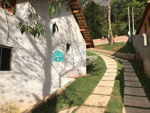 Casa, código 15 em Santo Antônio do Pinhal, bairro Centro