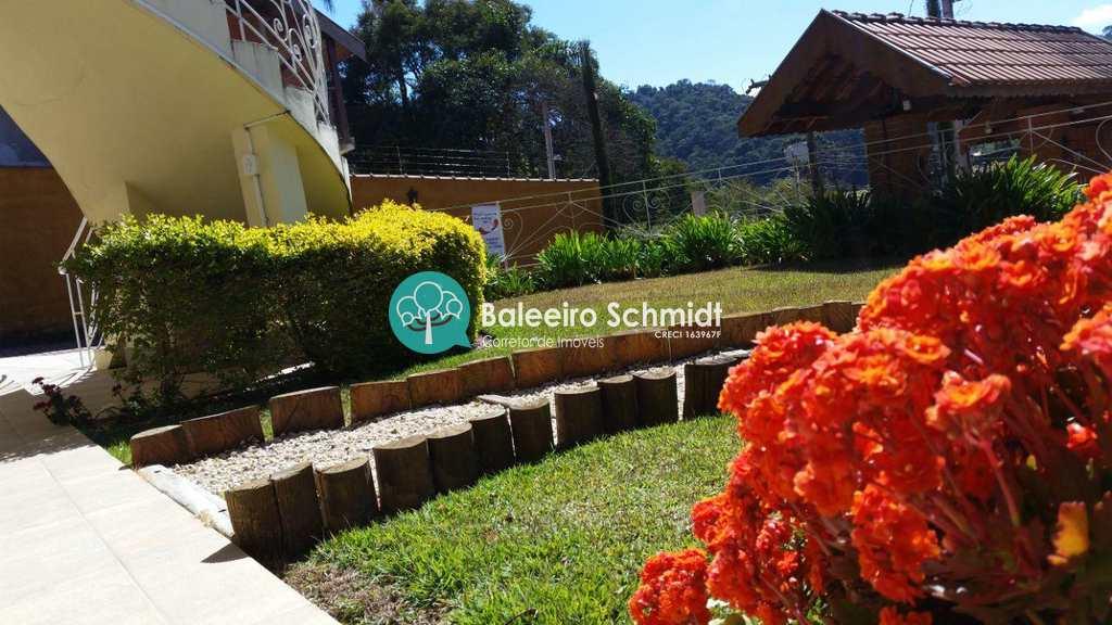 Casa em Santo Antônio do Pinhal, bairro Aprox 2 Km do Centro