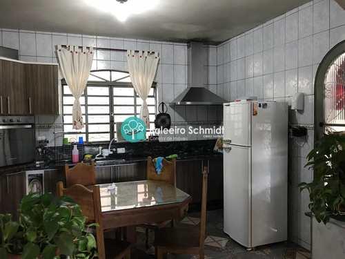 Casa, código 26 em Santo Antônio do Pinhal, bairro Centro