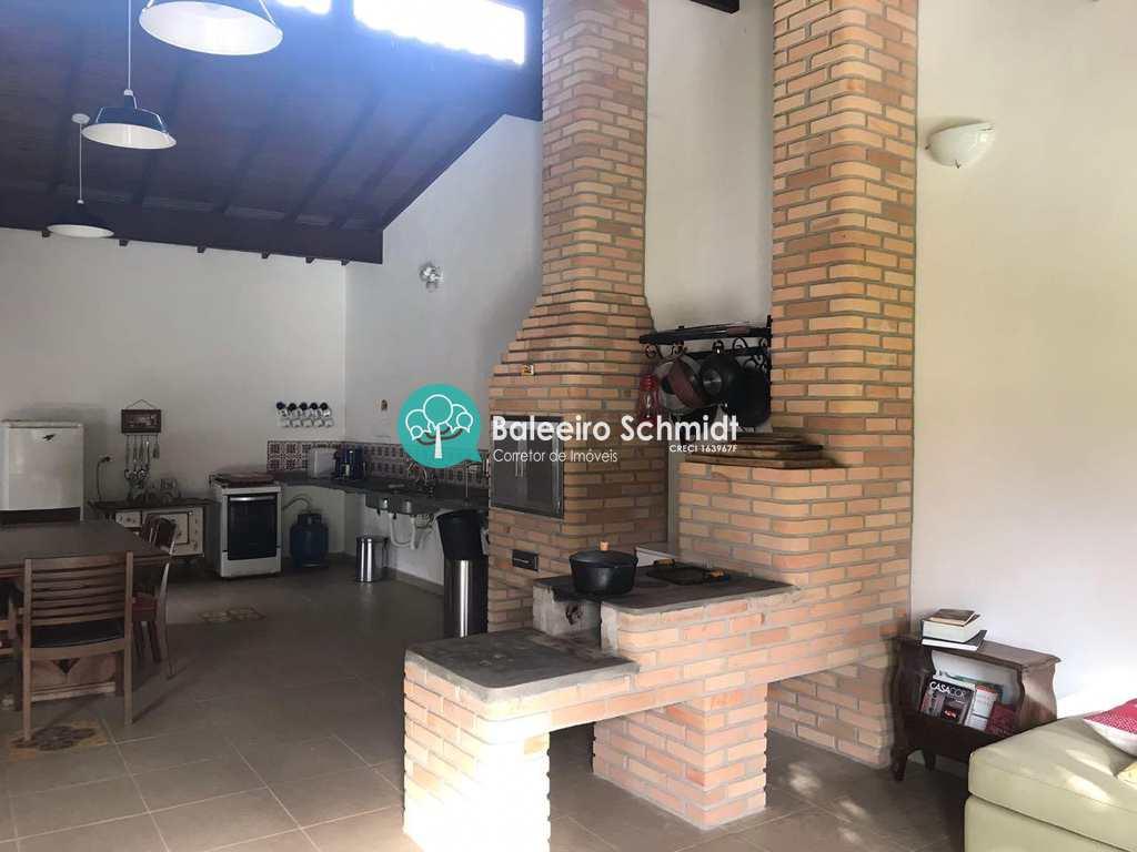 Casa em Santo Antônio do Pinhal, bairro Proximo Ao Centro