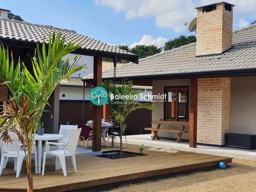 Casa, código 33 em Santo Antônio do Pinhal, bairro Aprox 2 Km do Centro