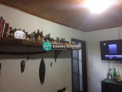 Casa, código 215 em Santo Antônio do Pinhal, bairro Centro